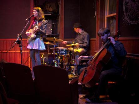 Band-Photo-Katie-Burns-Cafe-Carp-2015